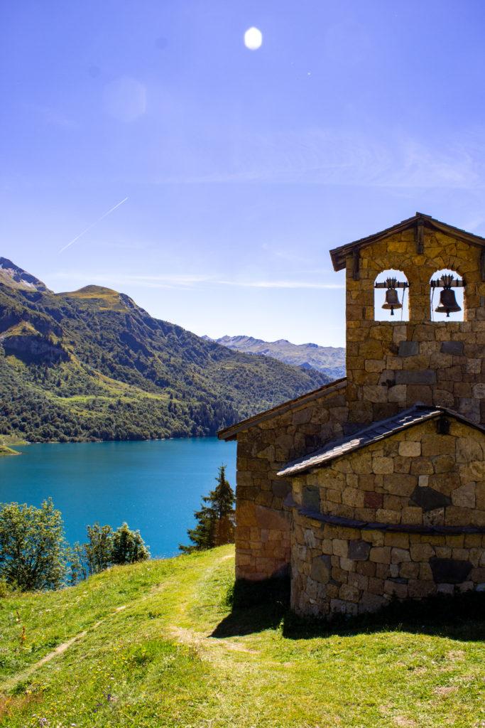 Lac de roselend chapelle